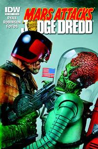 Cover Thumbnail for Mars Attacks Kiss (IDW, 2013 series)  [Mars Attacks Judge Dredd variant]
