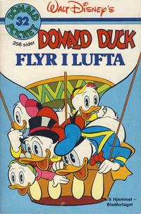 Cover Thumbnail for Donald Pocket (Hjemmet / Egmont, 1968 series) #32 - Donald Duck flyr i lufta [1. opplag]